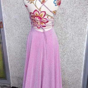 vestido brillo rosa espalda