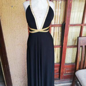 vestido negro lazos dorados
