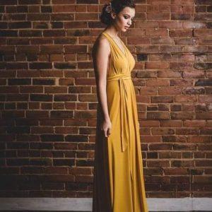vestido multiforma mostaza